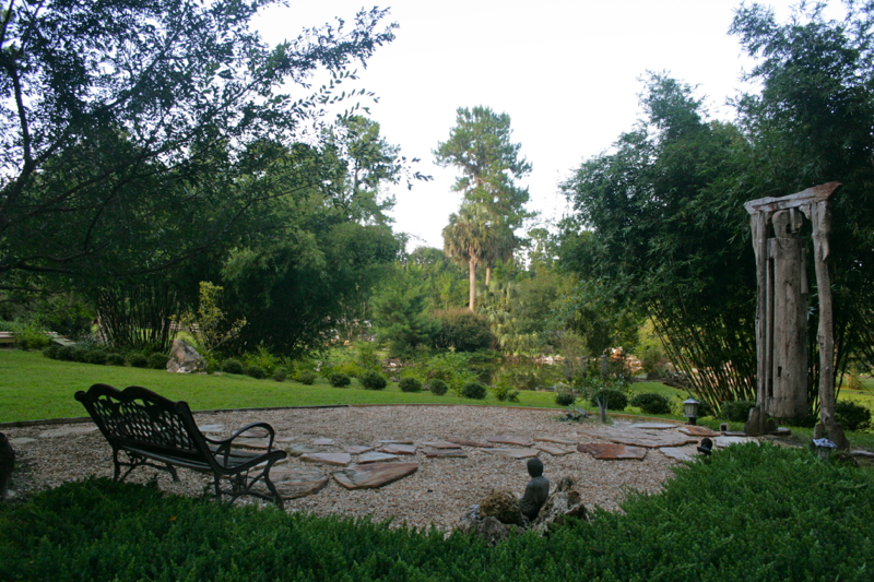 Photos videos casa micanopy for Garden pool zen area